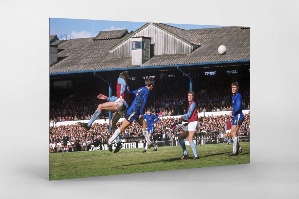 Kopfballduell an der Stamford Bridge - FC Chelsea vs. West Ham United