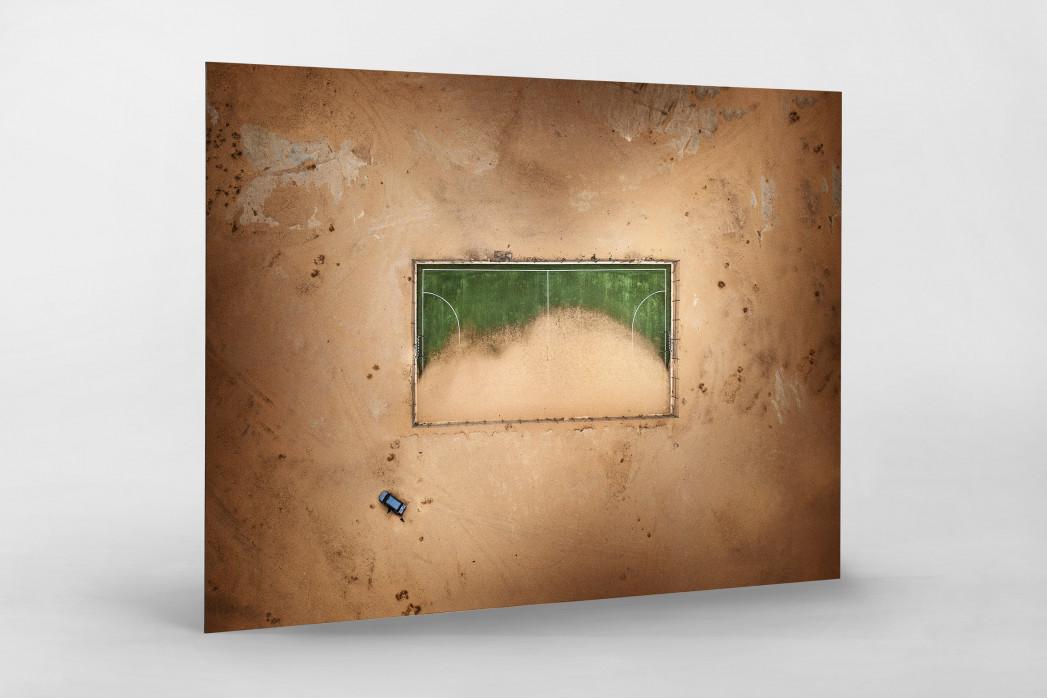 Vom Winde verweht - Fußballplatz in der Wüste - Wandbild