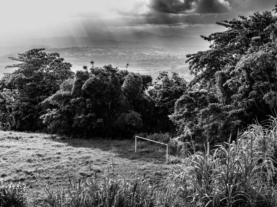 Fußballtor auf Martinique - Schwarzweiß Foto als Wandbild
