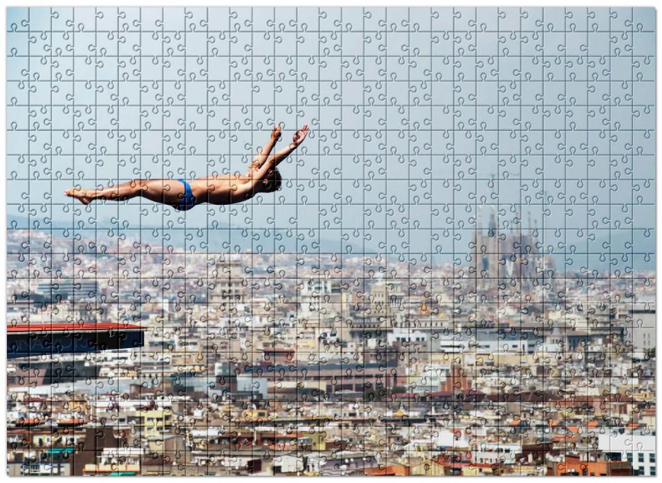 Puzzle: Turmspringen mit Blick auf Barcelona