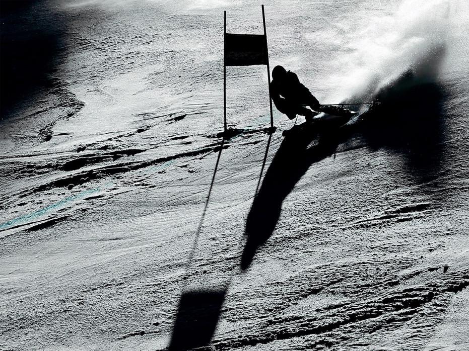 Slalomschatten - Sport Fotos als Wandbilder - Wintersport Ski Riesenslalom Foto - NoSports Magazin