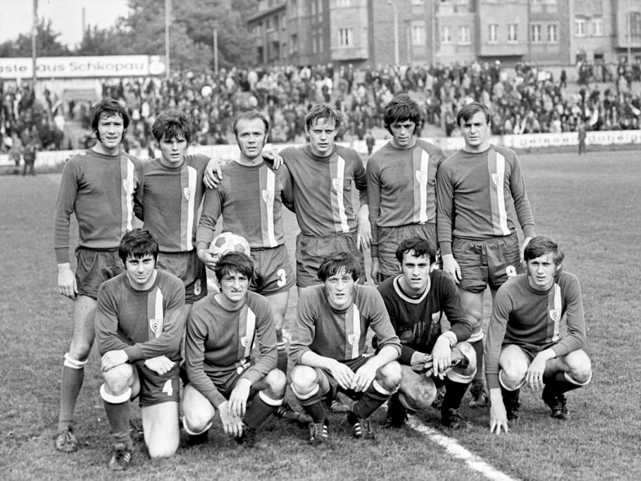 Halle 1972 - 11FREUNDE BILDERWELT