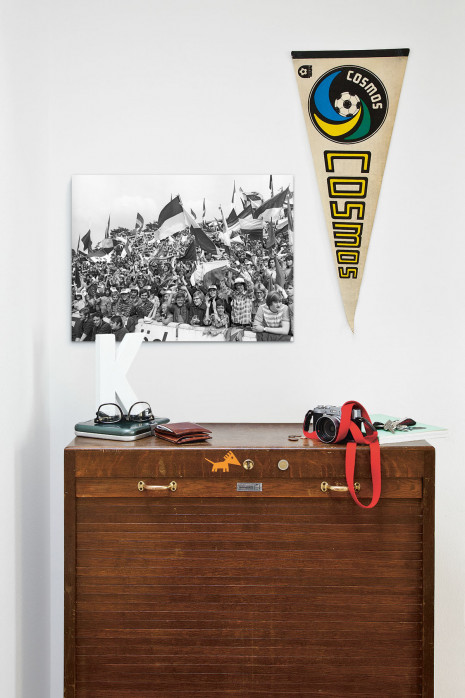 »Halle Fans 1977« über deiner Kommode