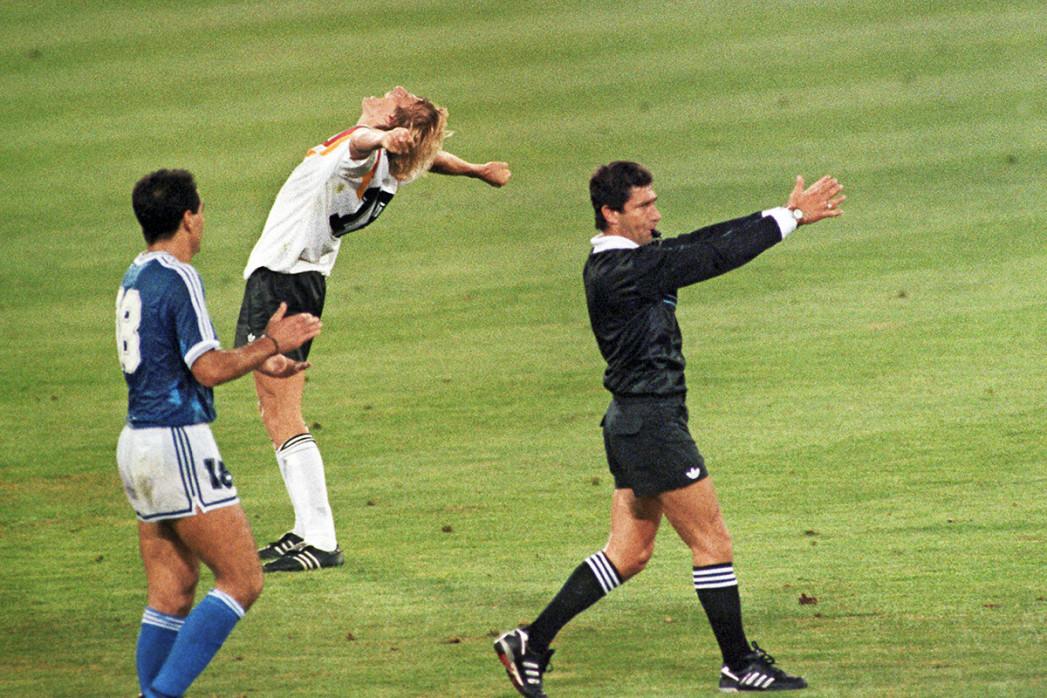 Jubel nach dem Abpfiff WM 1990 - 11FREUNDE BILDERWELT