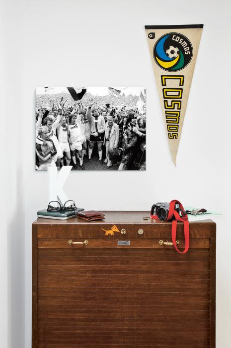 Über deiner Kommode: Mönchengladbach feiert Meisterschaft 1977 - 11FREUNDE BILDERWELT