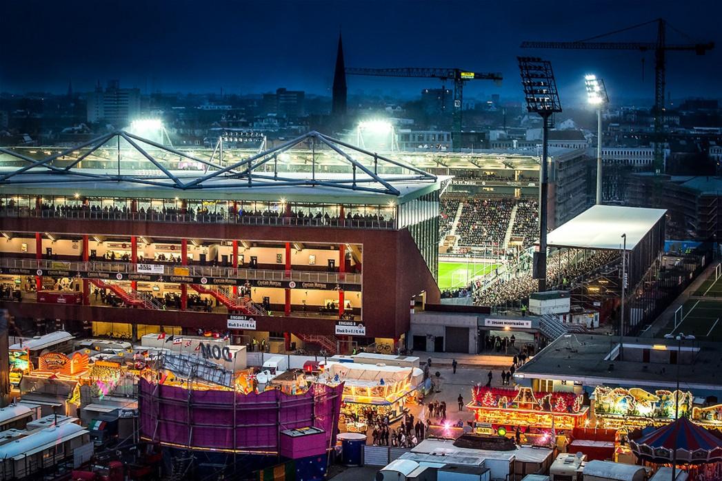 Millerntor und Hamburger Dom (3) - 11FREUNDE SHOP - FC St. Pauli - Fußball Fotos als Wandbild bestellen