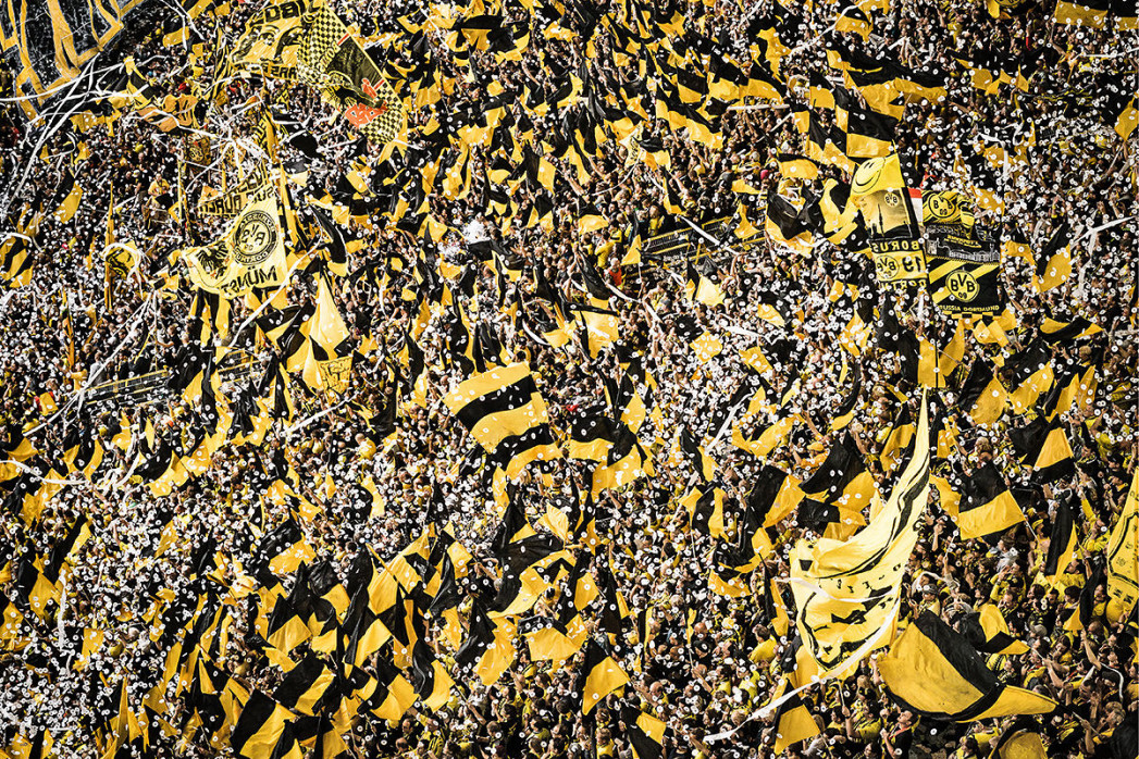 Gelbe Wand - Farbe (1) - 11FREUNDE SHOP - Fußball Wandbild - BVB - Borussia Dortmund