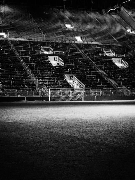 Leere Süd - Schwarzweiss (2) - Fußball Foto Wandbild - 11FREUNDE SHOP BVB