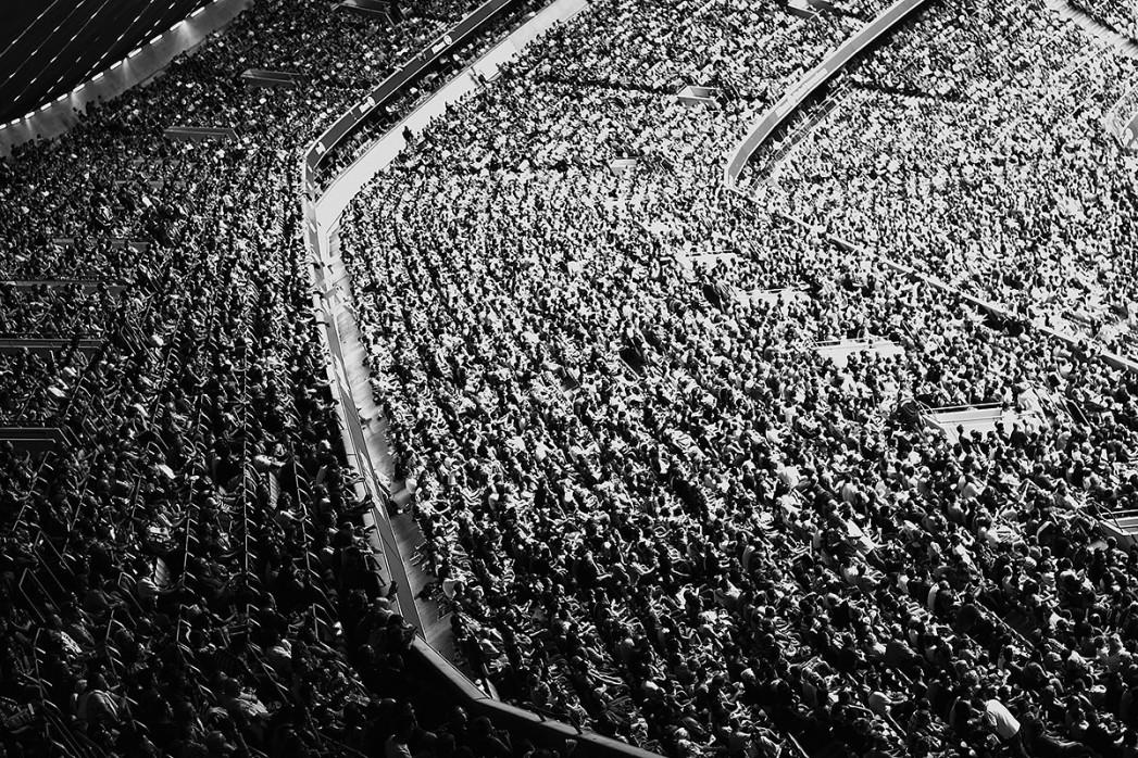 Zuschauer in der Allianz Arena - Robert Strehler - 11FREUNDE BILDERWELT