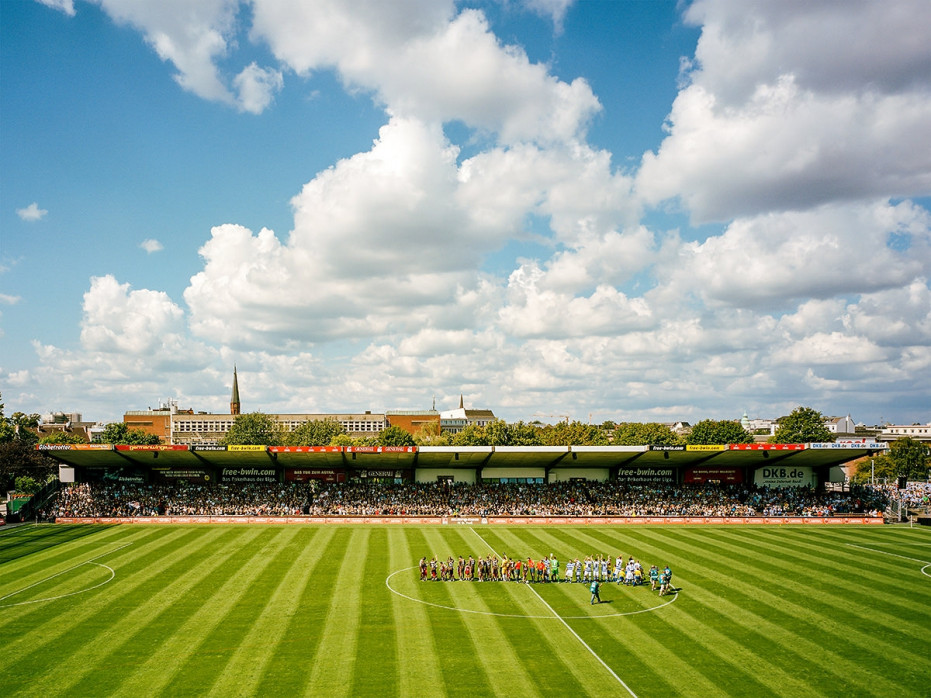 Haupttribüne Millerntor - Susanne Katzenberg - FC St. Pauli - 11FREUNDE SHOP