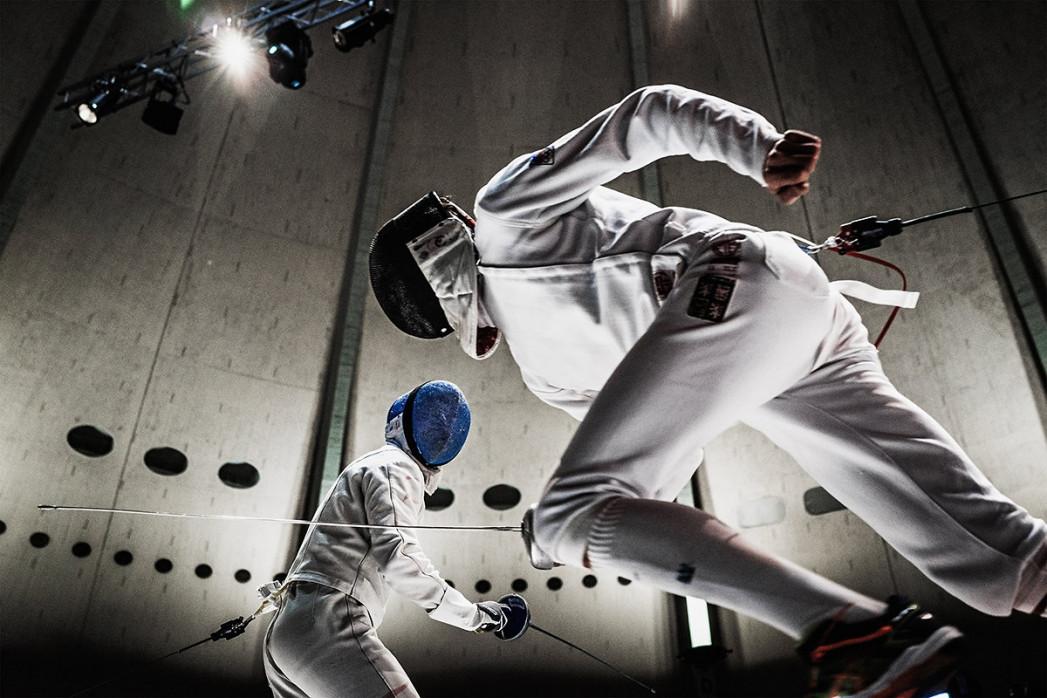 Fechten im Kuppelsaal - 11FREUNDE SHOP - Sportfotografie Wandbild