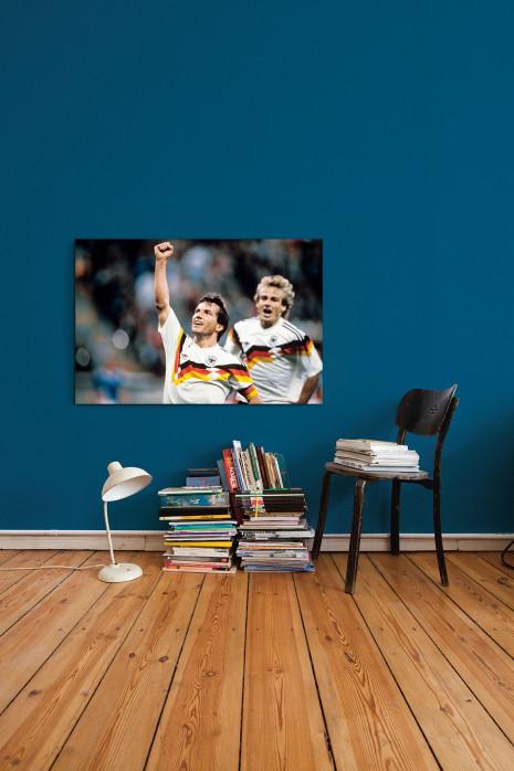 An deiner Wand: WM 1990 Lothar Matthäus und Jürgen Klinsmann - 11FREUNDE BILDERWELT