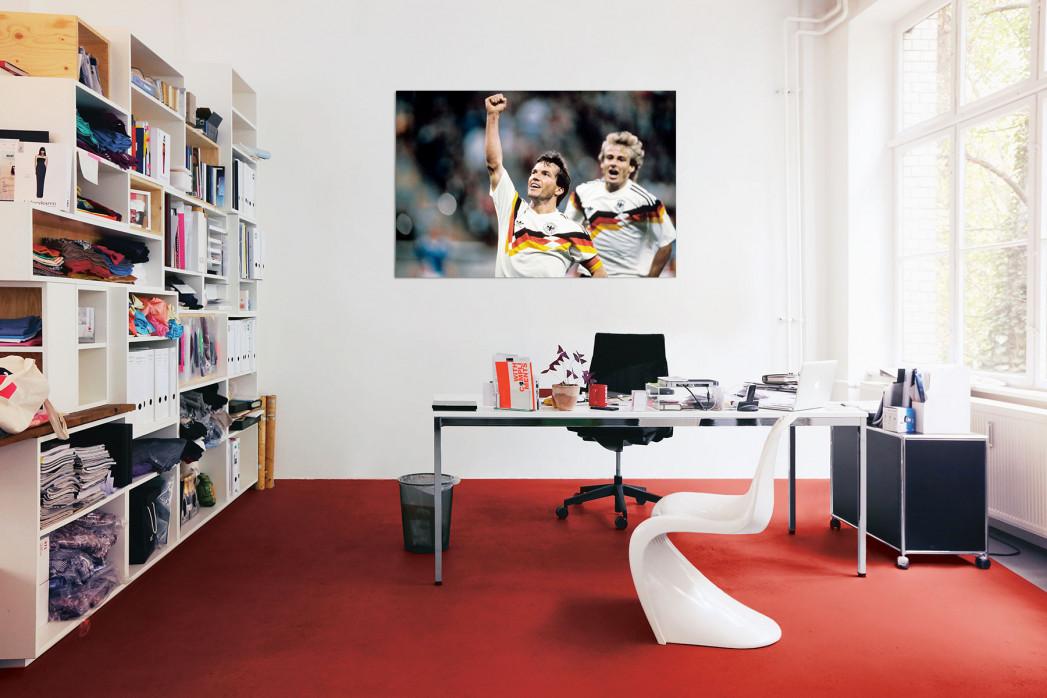 In deinem Büro: WM 1990 Lothar Matthäus und Jürgen Klinsmann - 11FREUNDE BILDERWELT