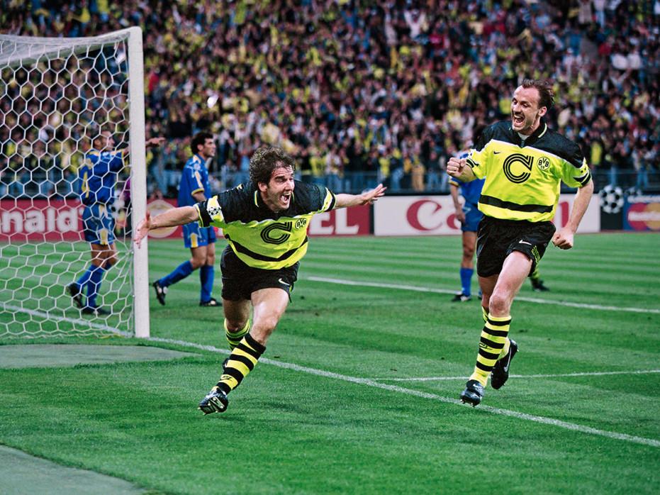 Riedle und Kohler jubeln - Fußball Foto Wandbild - 11FREUNDE SHOP
