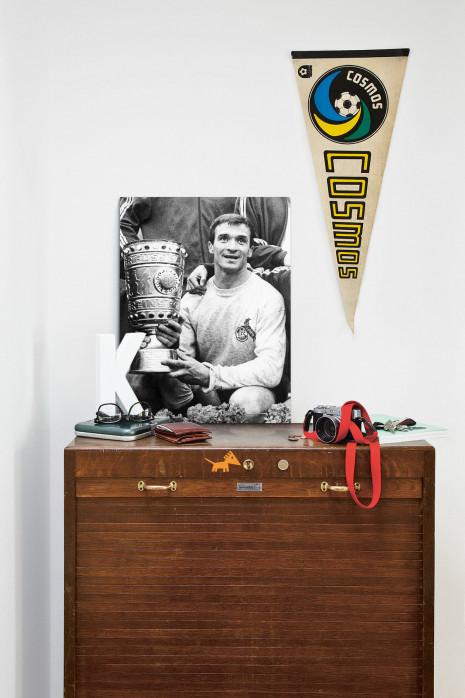 »Šoškić und der Pokal« über deiner Kommode