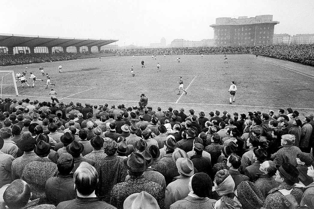 Millerntor Stadion 1966 - 11FREUNDE SHOP - Fußball Foto Wandbild
