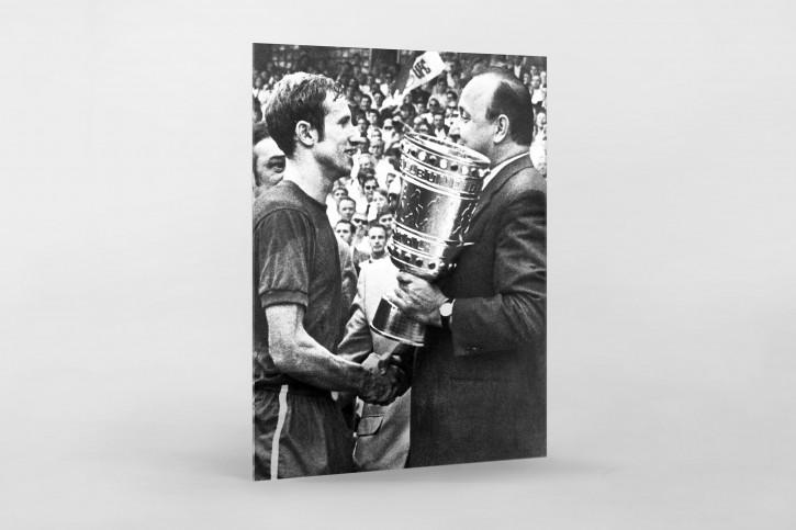 Schmitt und der Pokal - Kickers Offenbach - 11FREUNDE BILDERWELT