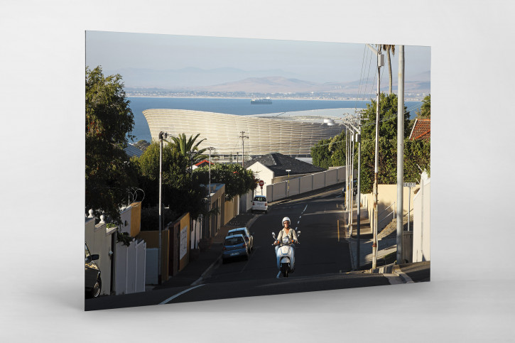 Straße und Mofa vor dem Cape Town Stadium - 11FREUNDE BILDERWELT