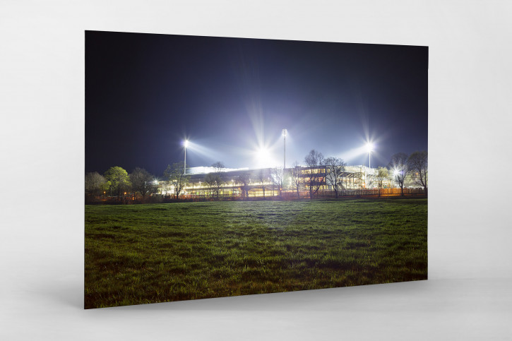 Schwarzwald-Stadion bei Flutlicht (Farbe) - Christoph Buckstegen - 11FREUNDE BILDERWELT