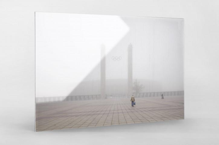 Nebel vor dem Olympiastadion - Fußball Wandbild - 11FREUNDE SHOP