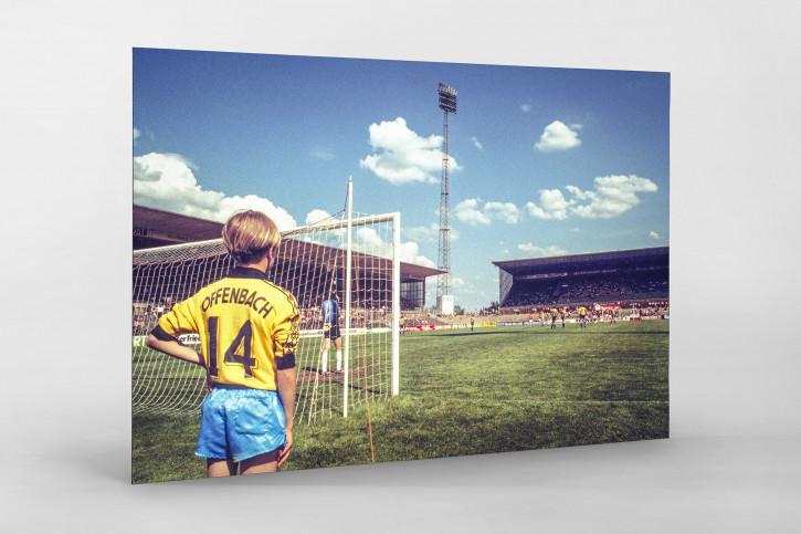 Junge in Offenbach - 11FREUNDE SHOP - Fußball Foto als Wandbild bestellen