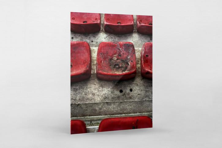 Angeflammte Sitzschalen im Stadion San Paolo vom SSC Neapel - 11FREUNDE BILDERWELT