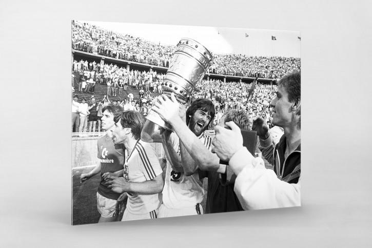 Friedhelm und der Pokal - 11FREUNDE BILDERWELT