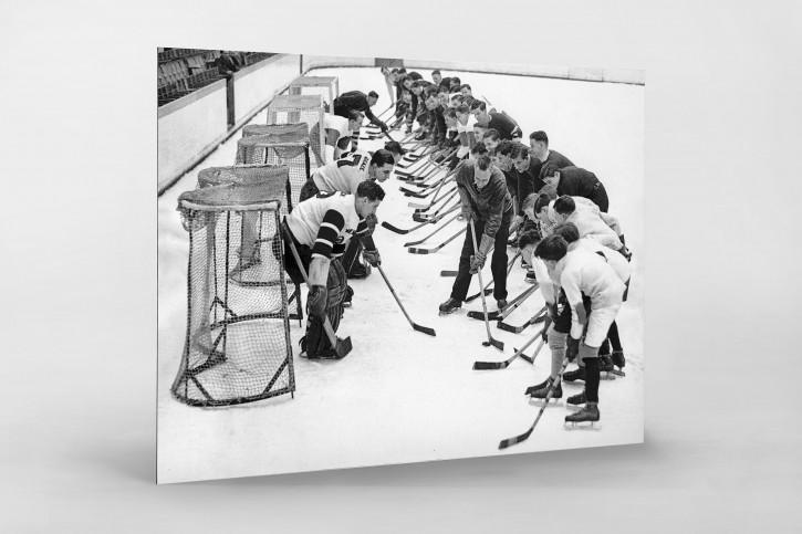 Eishockeytraining in der Wembley Arena - Sport Fotografie als Wandbild - Eishockey Foto - NoSports Magazin - 11FREUNDE SHOP