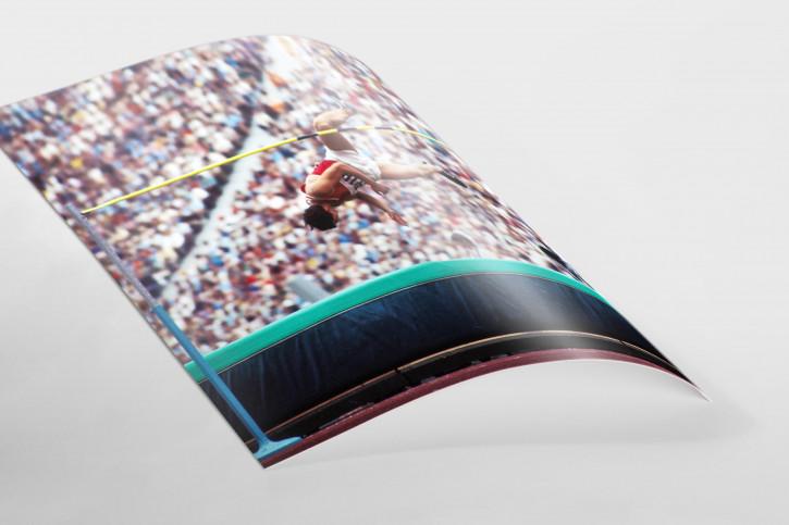 Drüber - Sport Fotografien als Wandbilder - Leichtathletik Hochsprung Foto - NoSports Magazin - 11FREUNDE SHOP