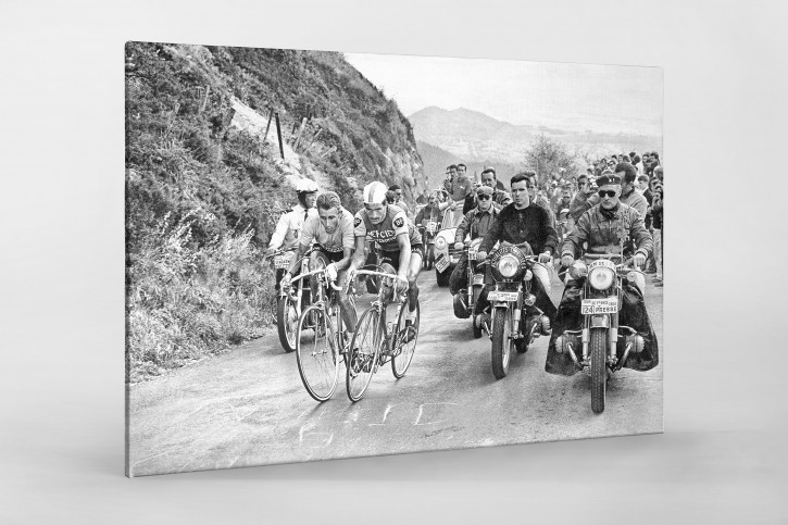 Mit motorisierter Presse bei der Tour 1964  - Sport Fotografien als Wandbilder - Radsport Foto - NoSports Magazin