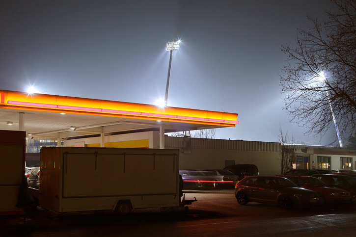 Tanke vor dem Eintracht-Stadion - Christoph Buckstegen - 11FREUNDE BILDERWELT