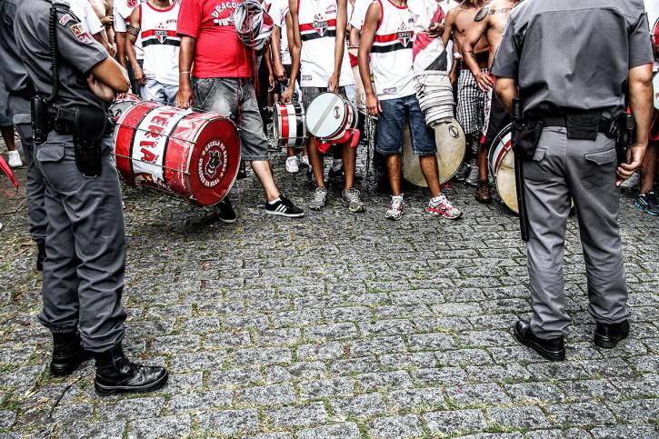 FC São Paulo Fans Waiting To Get In The Stadium - Gabriel Uchida - 11FREUNDE BILDERWELT