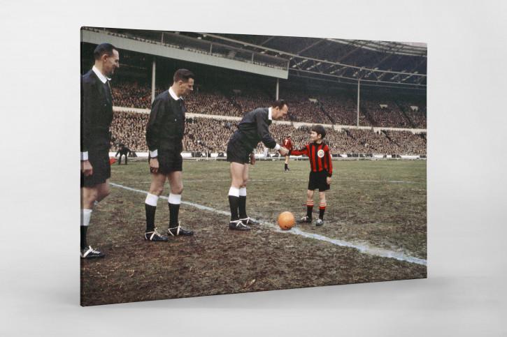 Shakehands mit dem Referee - Foto vom League Cup Finale 1970
