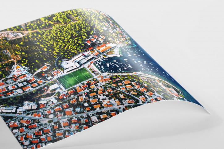 Fußballplatz an der kroatischen Adria - Wandbild - 11FREUNDE SHOP
