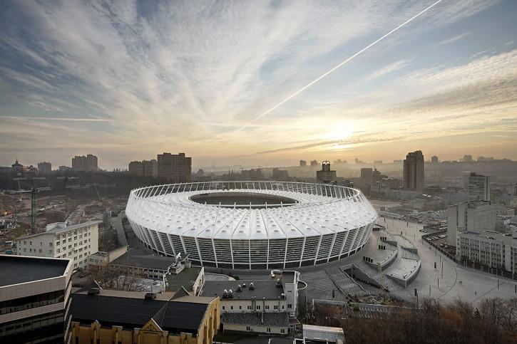 Himmel über dem Olympiastadion Kiew - 11FREUNDE BILDERWELT