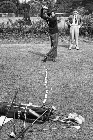 Abschlagtraining - Sport Fotografie als Wandbild - Golf Foto - NoSports Magazin