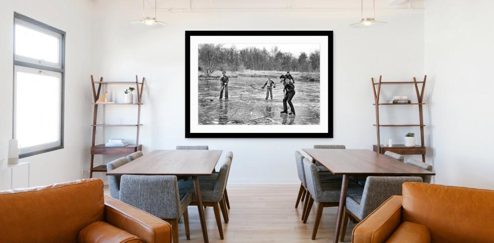 Eishockey draußen auf dem See - Sport Fotografien als Wandbilder bestellen - Eishockey Foto - NoSports Magazin