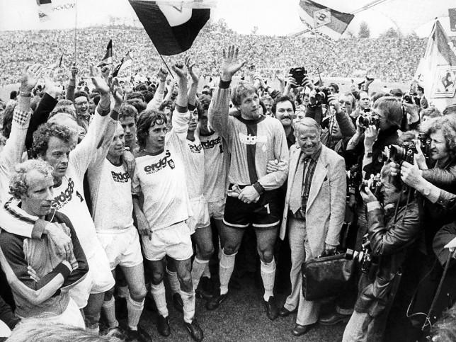 Mönchengladbach 1977 - 11FREUNDE BILDERWELT