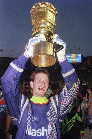 Sievers und der Pokal Hannover 96 - 11FREUNDE BILDERWELT