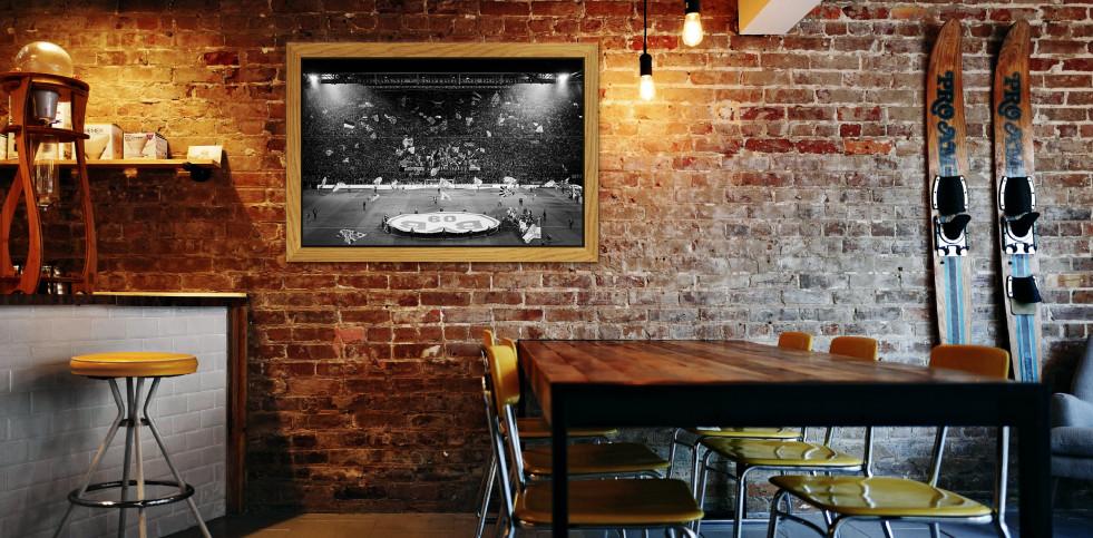 Gelbe Wand und Spielfeld - Fußball Wandbild - 11FREUNDE SHOP
