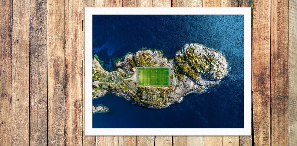 Fußballplatz auf den Lofoten - Wandbild - 11FREUNDE SHOP