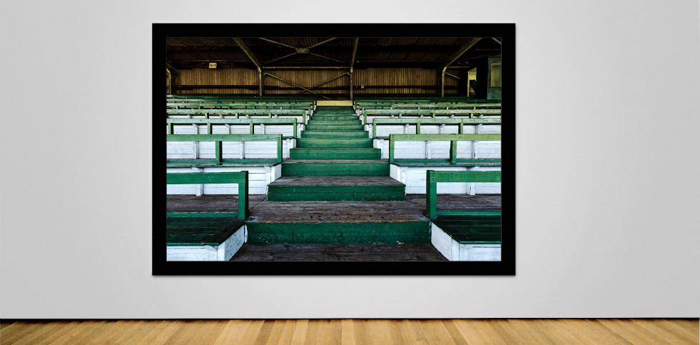 Tribüne Rudolf-Kalweit-Stadion (Farbe) - Christoph Buckstegen Foto - 11FREUNDE SHOP