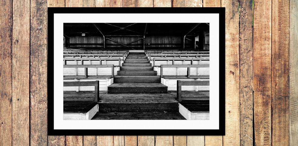 Tribüne Rudolf-Kalweit-Stadion (Schwarzweiß) - Foto Christoph Buckstegen