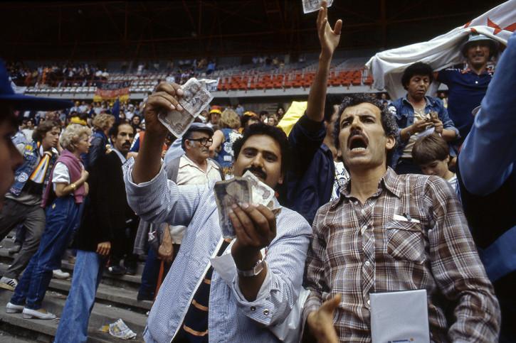 Algerische Fans in Gijon - 11FREUNDE BILDERWELT