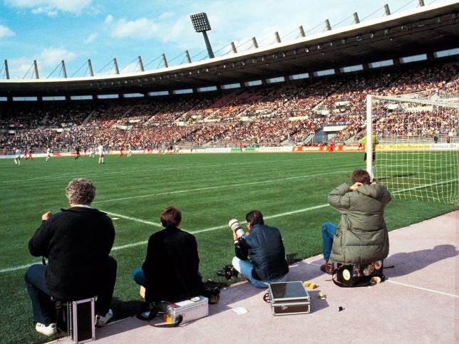 Im Rheinstadion 1983 - Fußball Foto Wandbild - 11FREUNDE SHOP