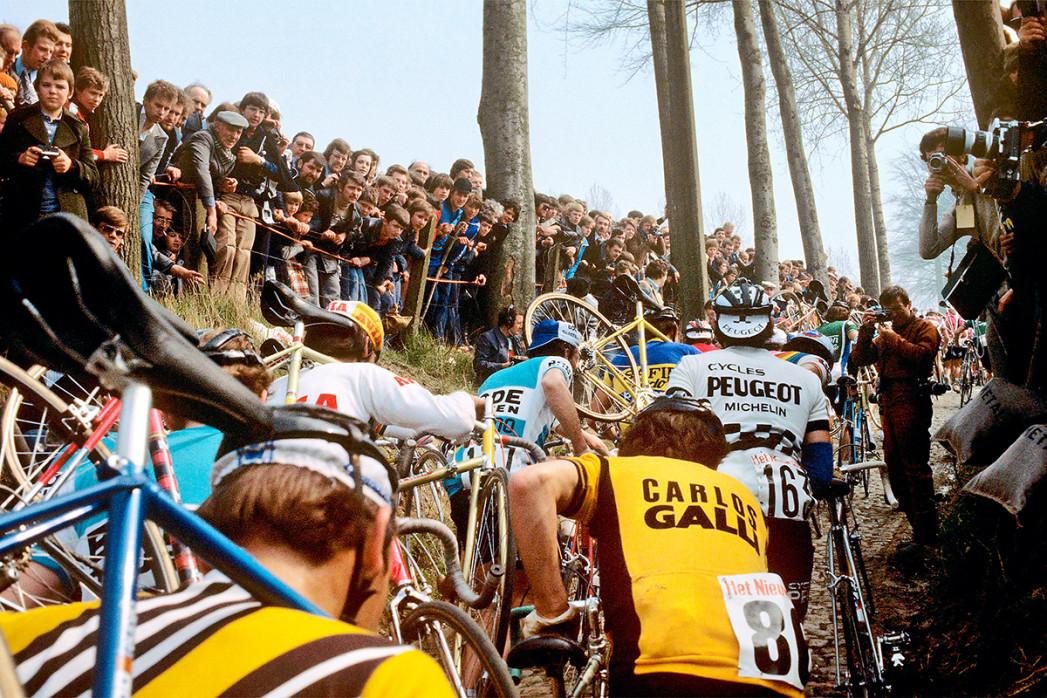 Fahrradtragen bei der Flandern-Rundfahrt