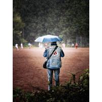 Altona-Fan im Regen