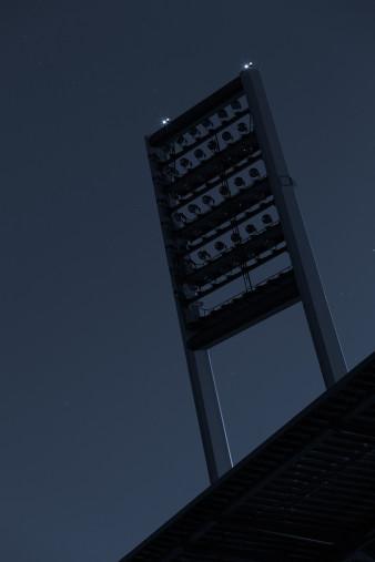 Stadien bei Nacht - Weserstadion (2) 11FREUNDE SHOP - Fußball Foto Wandbild Poster