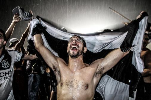 Ponte Preta Fan Celebrating A Goal - Gabriel Uchida - 11FREUNDE BILDERWELT