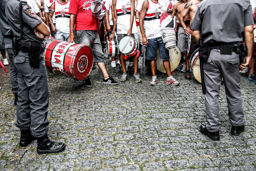 FC São Paulo Fans Waiting To Get In The Stadium - Gabriel Uchida - 11FREUNDE BILDERWELT